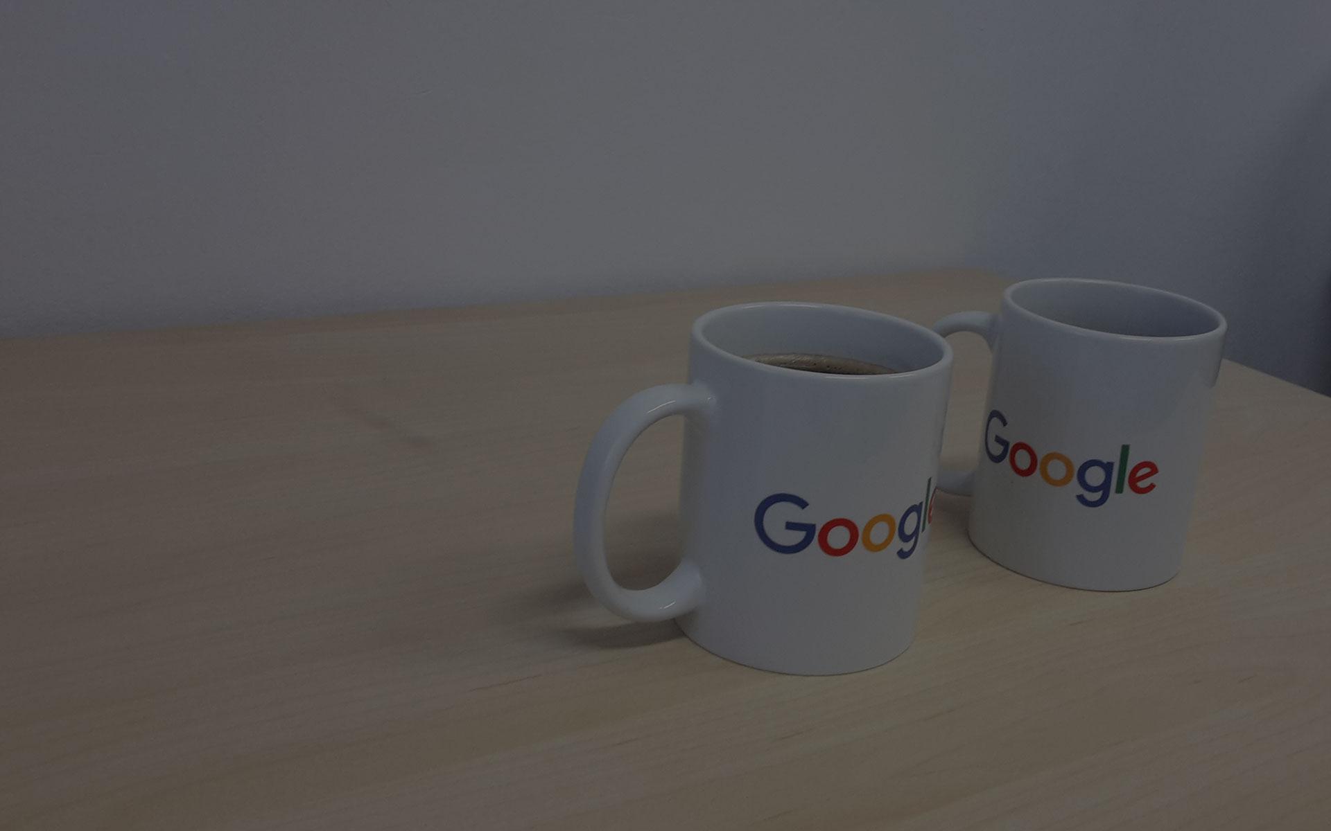 """Zapraszamy na kawę<br/>oraz <span style=""""color:#4385f5;"""">bezpłatną</span><br/>konsultację"""
